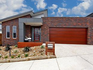 Suburban Living With A Touch Of Class! - Highton