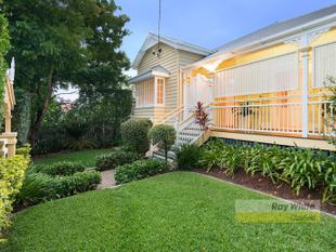 Spacious Elegant Family Living - Clayfield