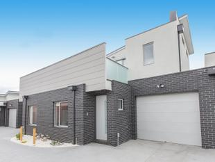 Chic Townhouse In The Heart Of Glenroy! - Glenroy