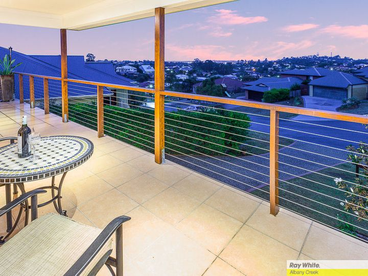 12 Emanual Court, Eatons Hill, QLD