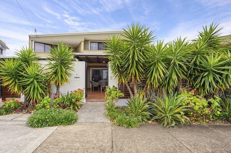 Property 1 69 Dixon Street Coolangatta QLD