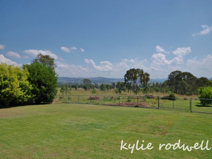 61 Brooklands Drive, Beaudesert, QLD