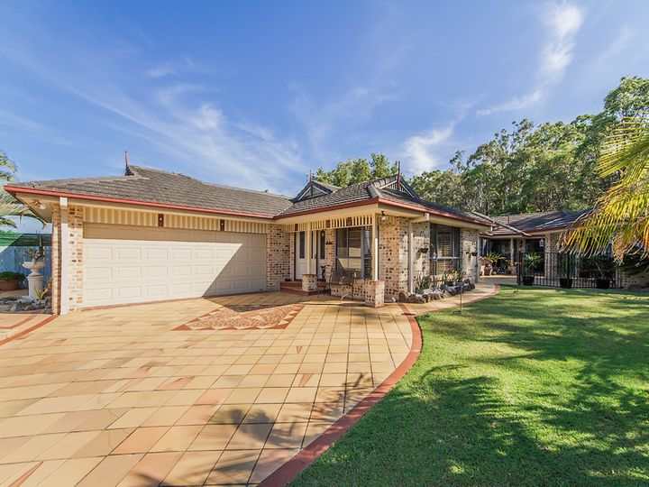 11 Moonda Court, Helensvale, QLD