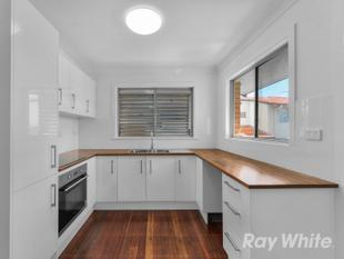 Sturdy Brick Home In Walking Distance To Wilston Village! - Wilston