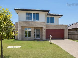 5 Bedrooms, 3 Living Areas, Ducted A/C, Security System, NBN & much more!! - North Lakes