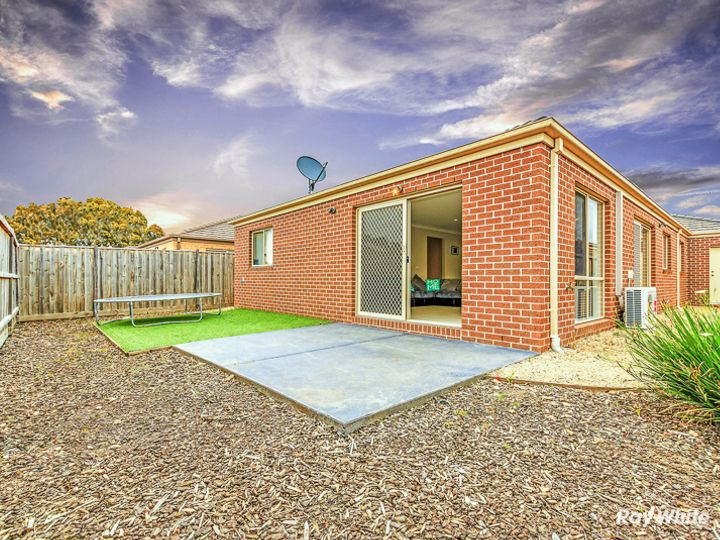 12 Celestine Drive, Officer, VIC