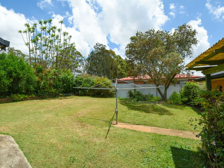 8 Champagne Crescent, Wilsonton Heights, QLD