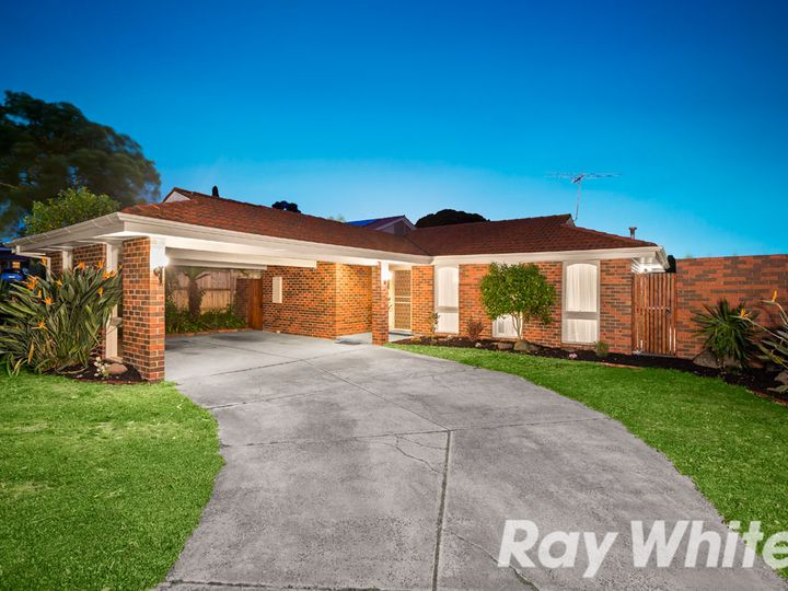 11 Collendina Crescent, Scoresby, VIC