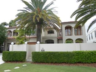 Italian Masterpiece in Surfers Paradise - Surfers Paradise