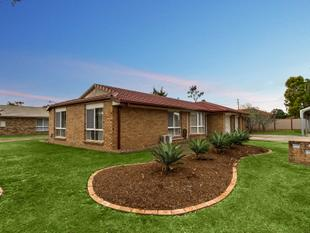 RENTS FOR $330 PER WEEK!! NO BODY CORPORATE!! - Goodna