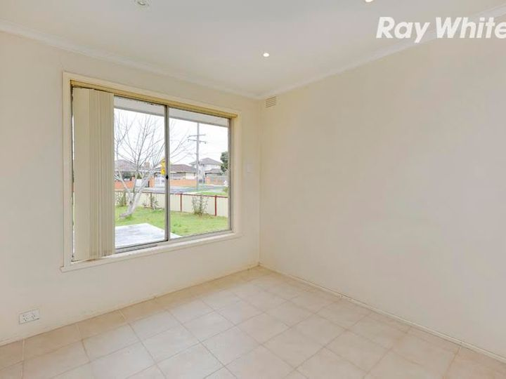 20 Bates Avenue, Thomastown, VIC