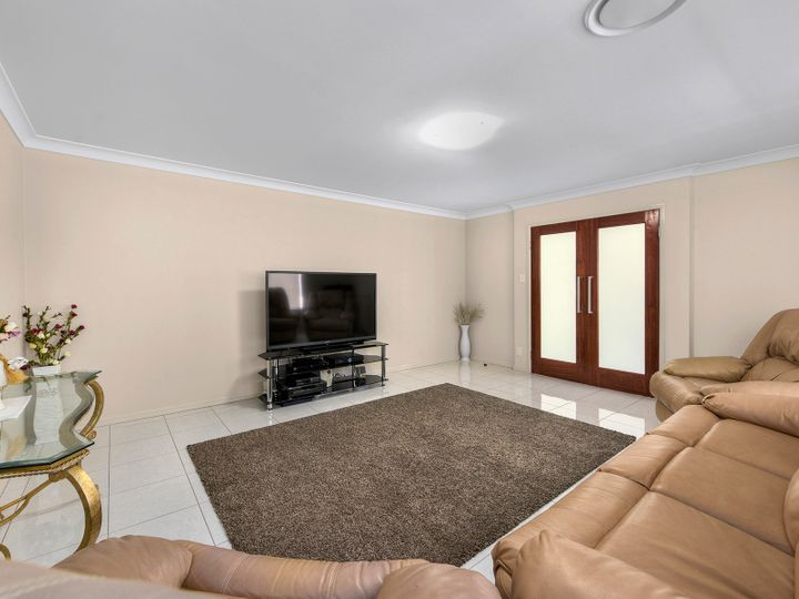 5 Kagan Close, Bridgeman Downs, QLD