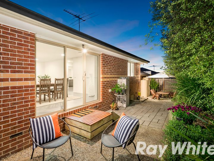 1/27 Canterbury Road, Montrose, VIC
