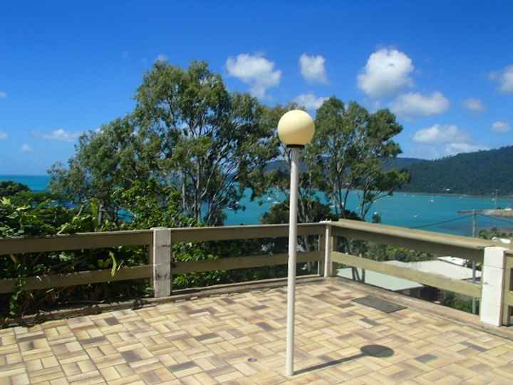 32 Airlie Crescent, Airlie Beach, QLD