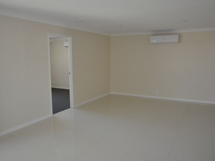 1/27 Weebah Place, Cambooya, QLD