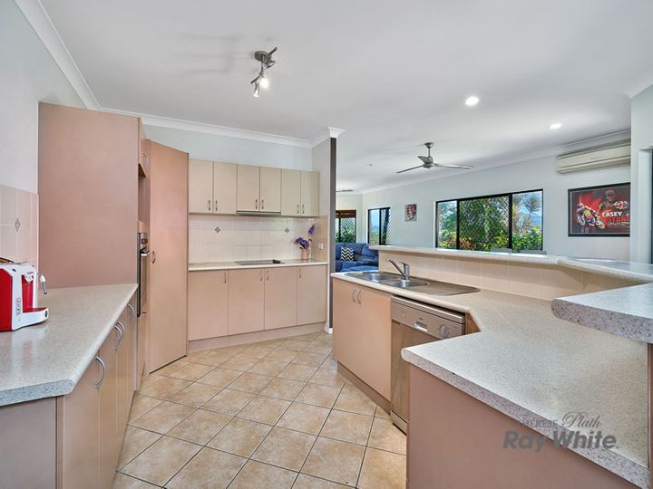 33 Surtees Close, Bentley Park, QLD
