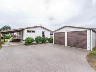 MAKE THIS YOUR NEW HOME IN THE NEW YEAR! - Paraparaumu Beach