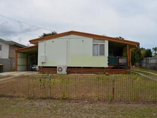 CALLING ALL TRADES OR DIY ENTHUSIASTSREAL OPPORTUNITY TO MAKE IT YOUR OWNSOLD IN AN AS IS WHERE IS CONDITION - West Gladstone