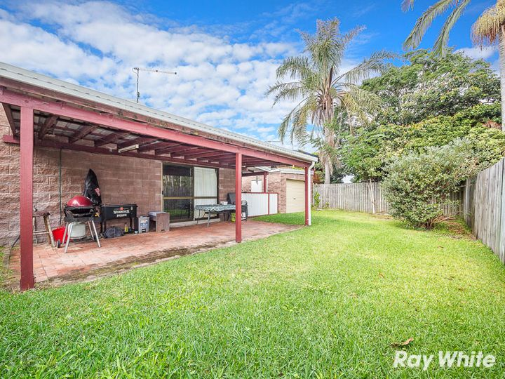 29 Dianthus Avenue, Banksia Beach, QLD