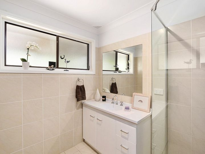 25 Sandstone Crescent, Tascott, NSW