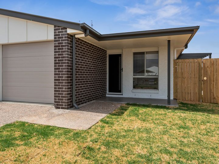 1 and 2/74 Sanctuary Drive, Cranley, QLD