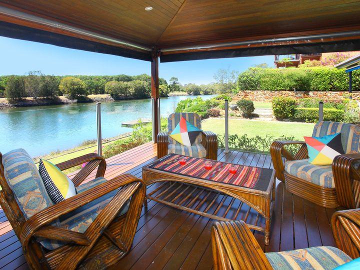 10 Lancelin Drive, Mermaid Waters, QLD