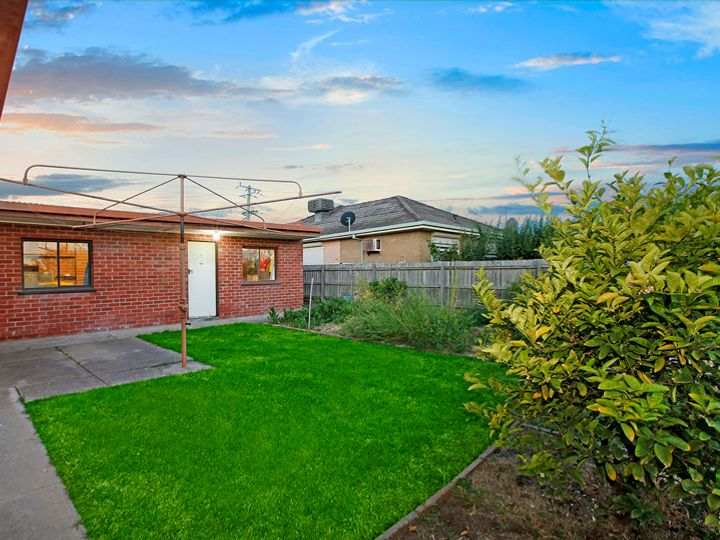 2 Joan Court, Reservoir, VIC