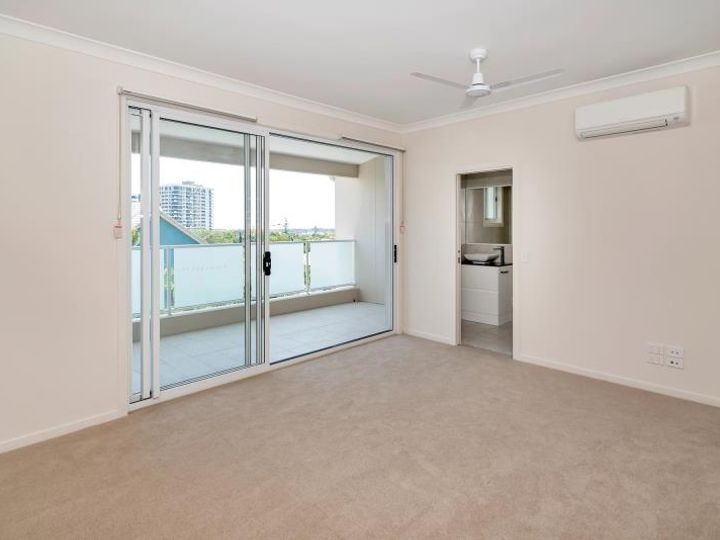 8/30 Lather Street, Southport, QLD