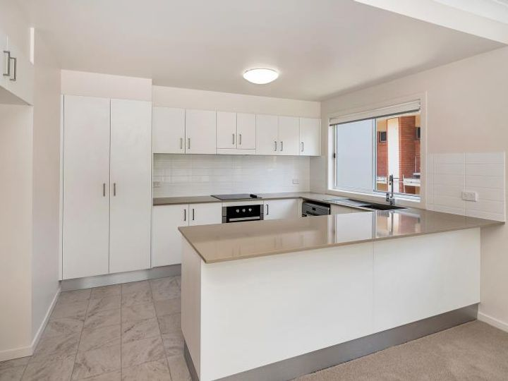 1/30 Lather Street, Southport, QLD