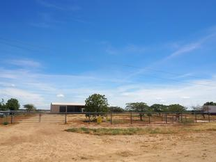 6,400m2 Land and Huge Shed Set Amongst the Stables - Longreach