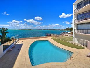 Don't Miss Out! Excellent Value - Waterfront Location - Caloundra