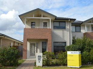 Modern 3 Bedroom Duplex - Close to all Amenities - The Ponds