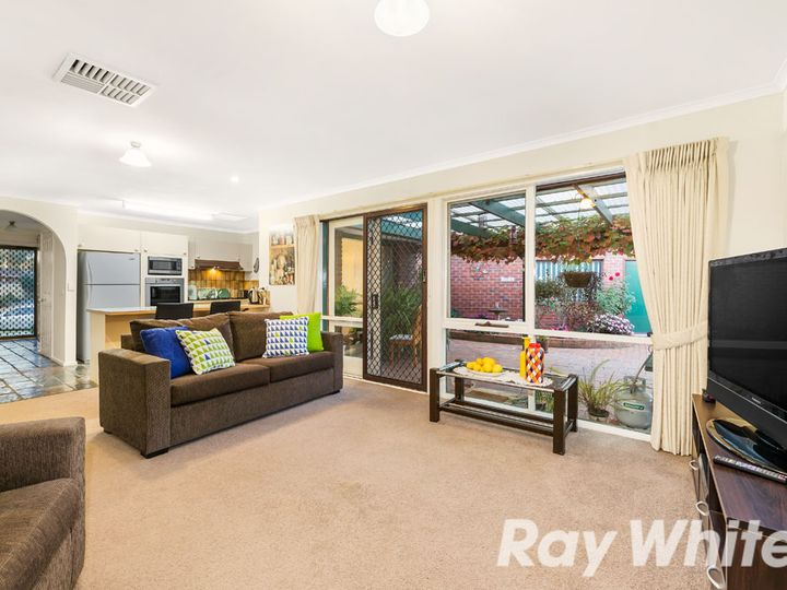 11 Endeavour Place, Wantirna South, VIC