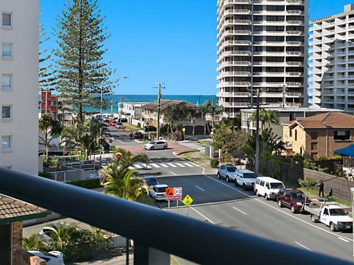 7 'Sol Air' 15 Wharf Road, Surfers Paradise, QLD