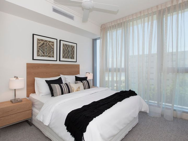 31509/ 2 Harbour Road, Hamilton, QLD