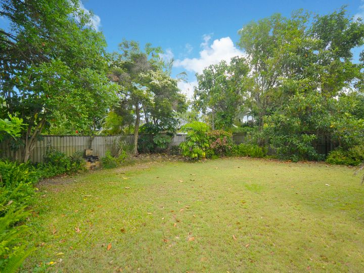 57 Alec Avenue, Mermaid Waters, QLD