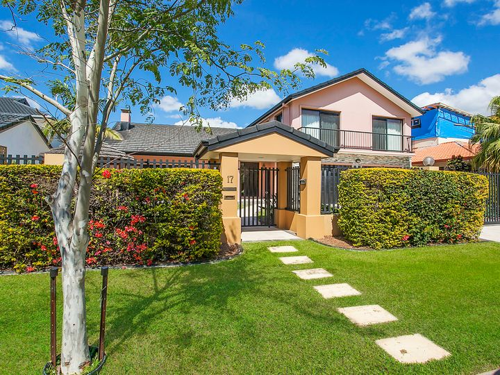 17 Donegal Crescent, Sorrento, QLD