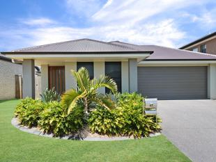 WHY BUILD? ABSOLUTELY STUNNING NEAR NEW FAMILY HOME! - North Lakes