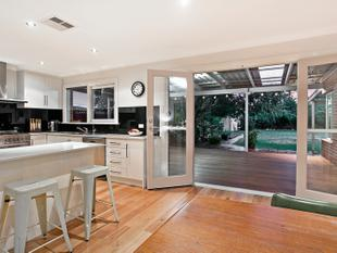 Art Deco Meets Spacious Modern Living - 850m2 Block Size Approx - Manningham
