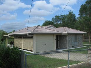 Neat family home next to park! - Marsden