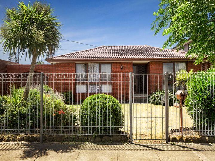 1 Carbine Avenue, Clarinda, VIC