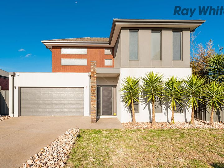 2 Gill Place, Caroline Springs, VIC