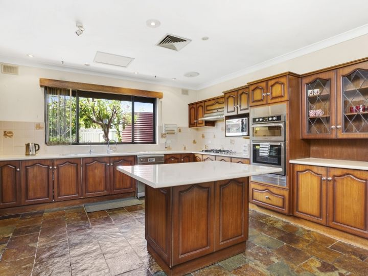 3 Hoylake Crescent, West Lakes, SA