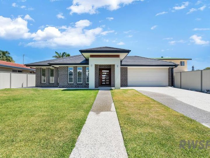 100 Salerno Street, Isle Of Capri, QLD