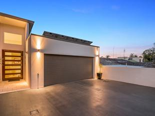 Duplex the Size of a House! - Tweed Heads