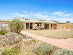 Rural Sea Change with Spectacular Water Views! - Ceduna