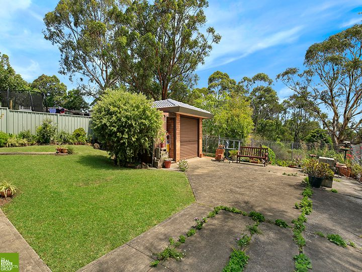 155 Northcliffe Drive, Lake Heights, NSW