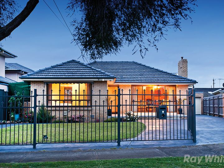 4 Padua Court, Glen Waverley, VIC