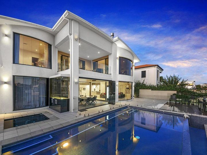 35 The Sovereign Mile, Sovereign Islands, QLD