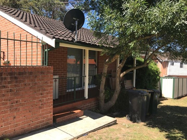 10a Lanark Place, St Andrews, NSW